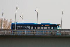 Bus auf Rheinbrücke bei Worms