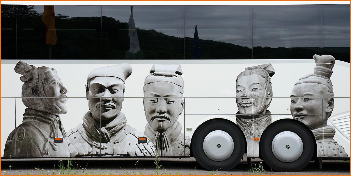 """""""Bus-Tour"""""""