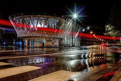 Busbahnhof im Regen
