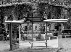 bushaltestelle mit klarer durchsicht...