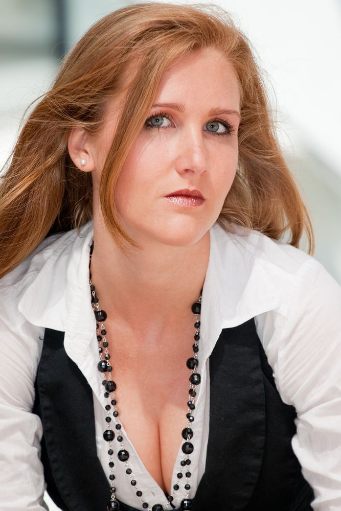 Business woman - Portraitfotografie an der Nord LB in Hannover