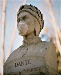 Busto di Dante al tempo del Covid-19