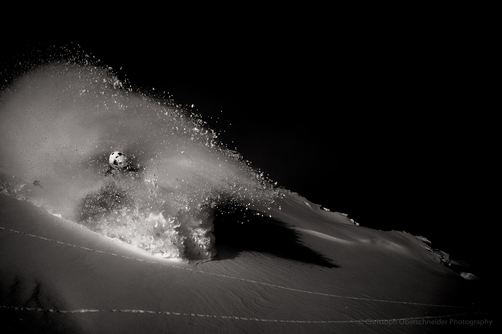 B&W Schnee-Explosion