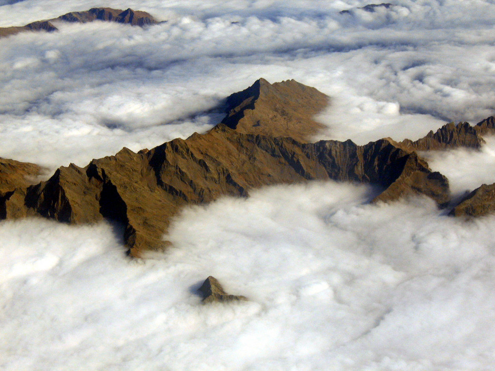 by plane: fog or clouds?