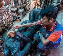 C1146_Myanmar - Mandalay wood carving