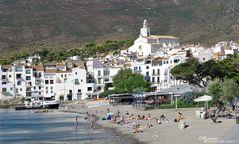 Cadaqués mit Kirche von Santa Maria