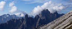 Cadinigruppe  mit Wolken in den Dolomiten in Südtirol