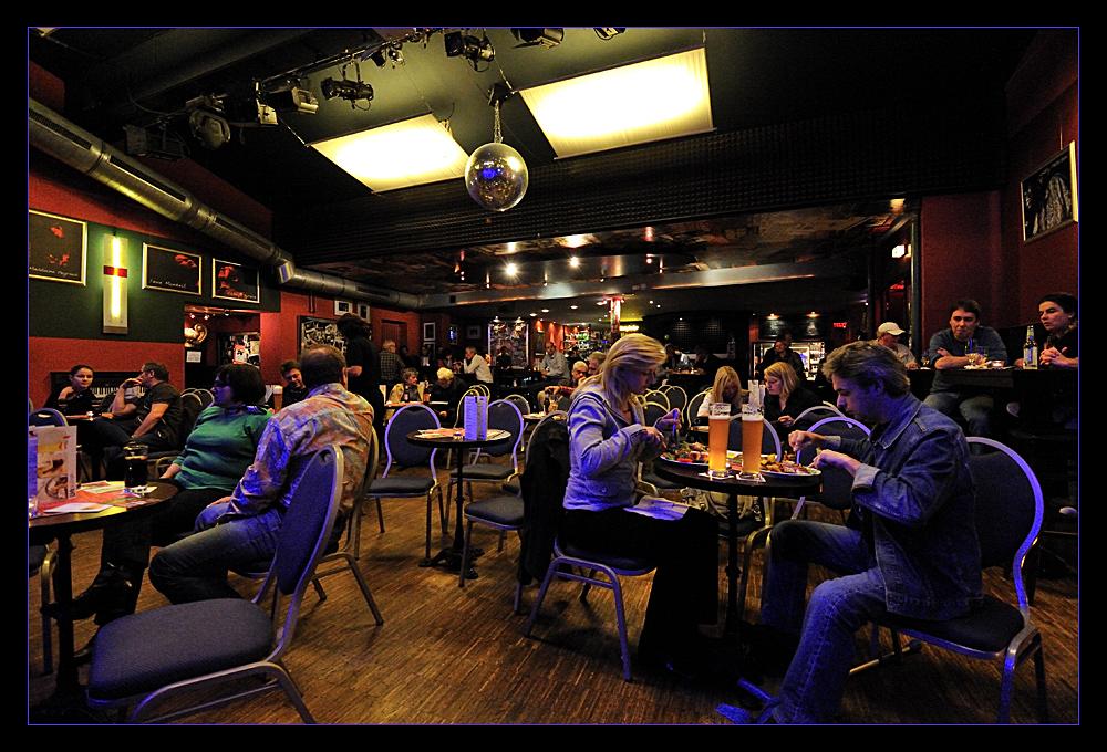 Völkerball Cafe Hahn