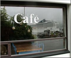 ** Café  or The Ghost Ship ? **
