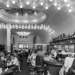 Cafe Paris SW*