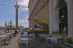 Caffè San Marco wartet auf Gäste