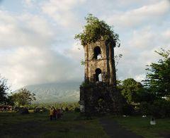Cagsawa und der Mount Mayon Vulkan