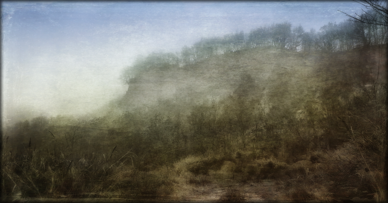 calanchi avvolti dalla nebbia
