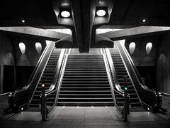 Calatrava Ufo Entrance 2014