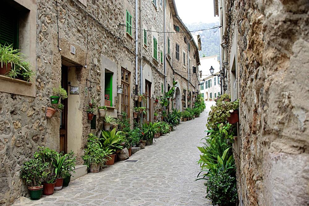 Calle de Valldemossa