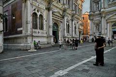 Calle Fianco de la Scuola - Arm in Arm -