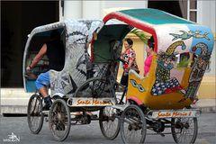 Camagüey - Remorquage d'un vélo-taxi
