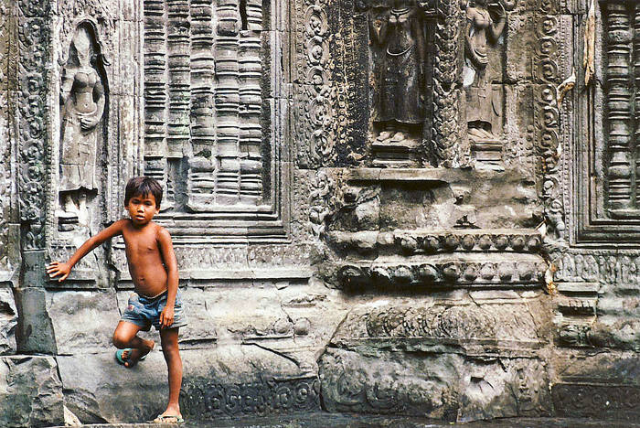 """Cambodia """"Kids and temples"""""""