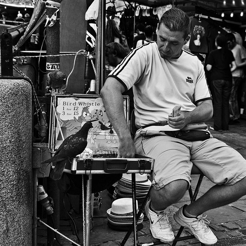 CAMDEN TOWN MARKET 1- BIRD WHISTLE / RICHIAMO PER UCCELLI