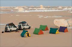 camp in der weissen wüste