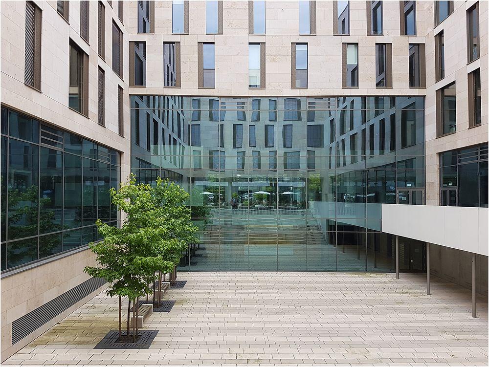 Campus im Spiegel der Fassaden