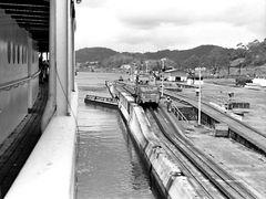 .....Canale di Panama.....Entrata a Colon .