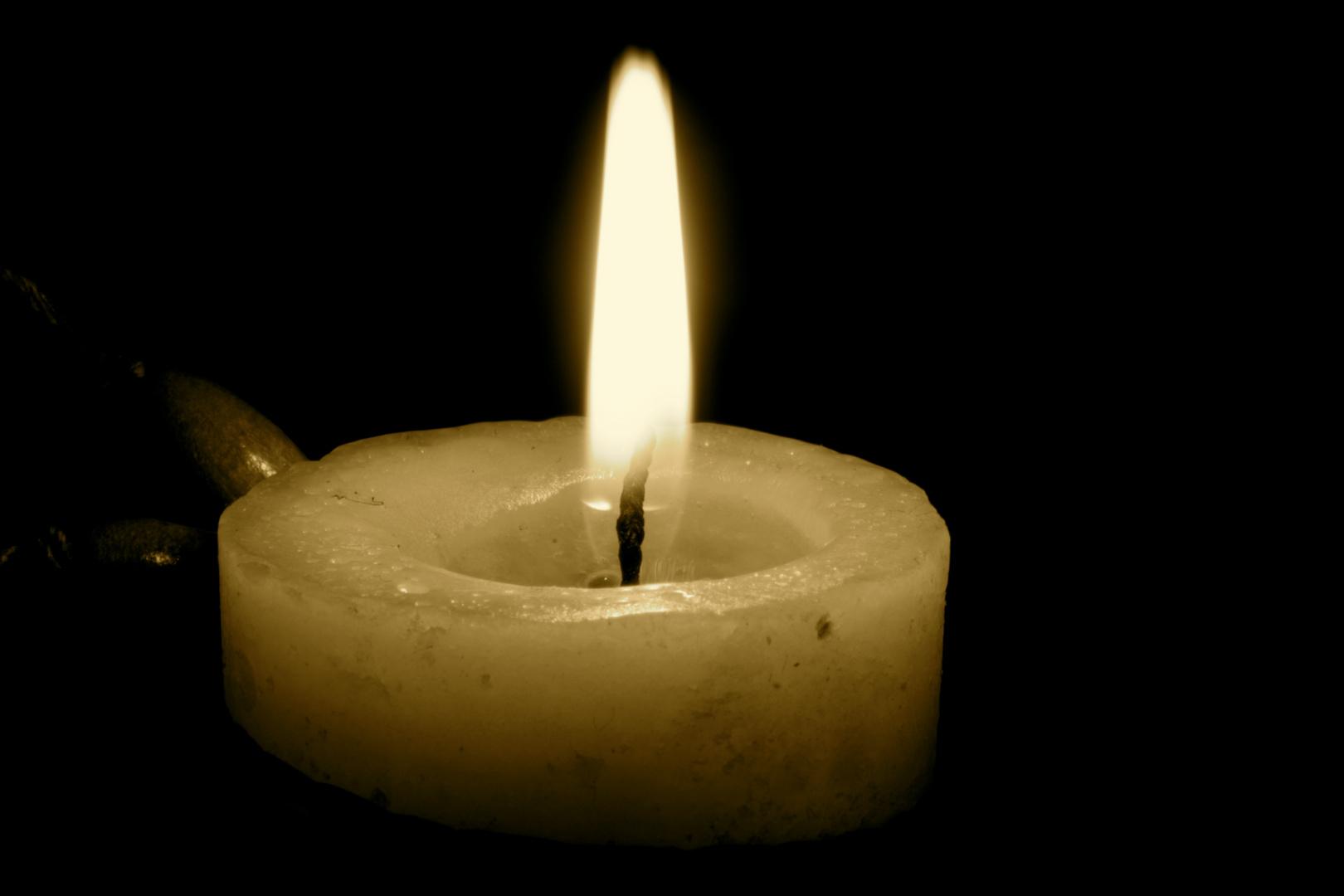 candela nelle tenebre