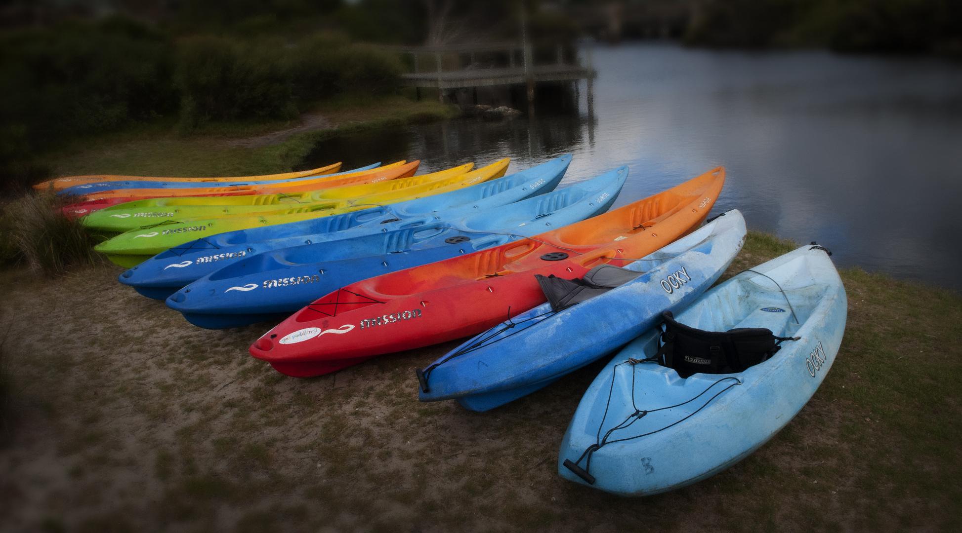 Canoe colours