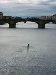 Canottaggio sull'Arno... / Rowing on the Arno River