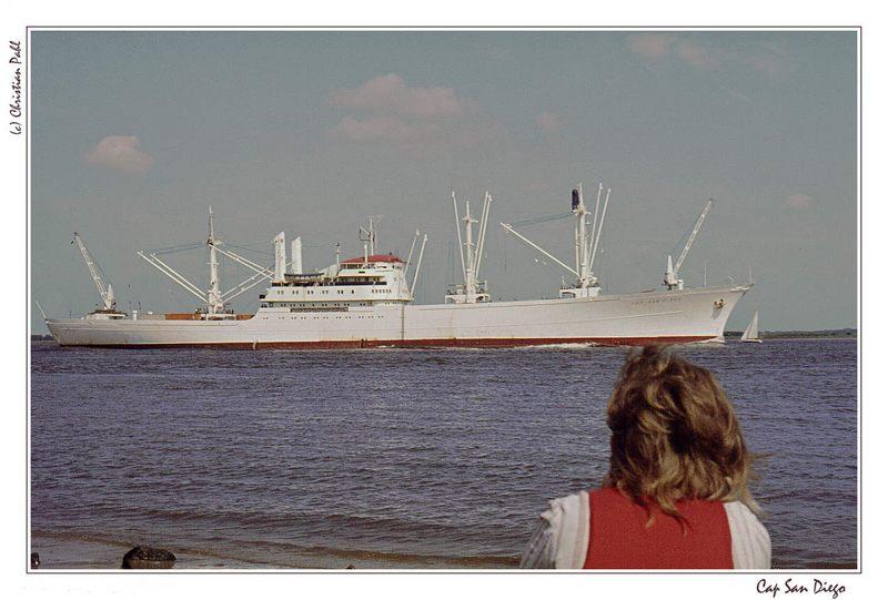 """""""Cap San Diego"""" auf der Elbe - 1973"""