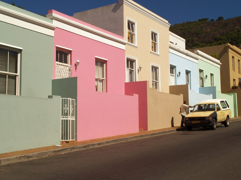 Cape Town (RSA), Bo-Kaap - The two colours beige