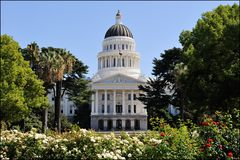 [ Capital's State Capitol ]