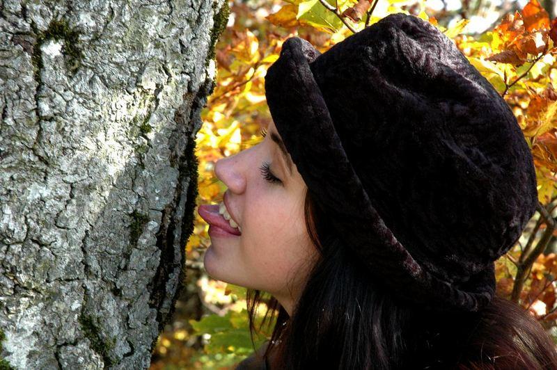 Carine und ihr Baum