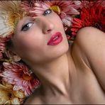 Carol 07 con flores de SILVIA SIMONATO