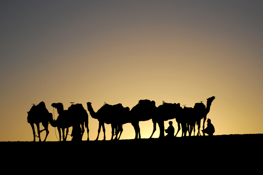 Carovane al tramonto