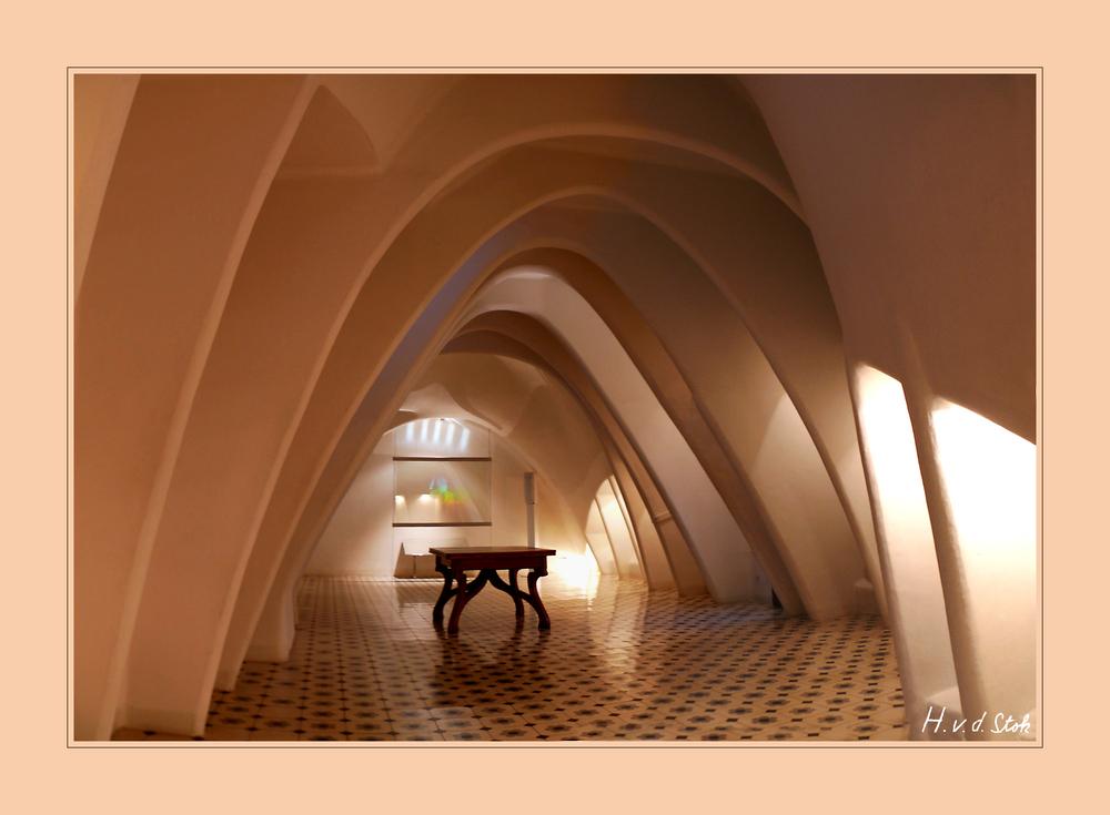 casa-batllo-dachboden-8bb99cd8-091c-4563-9c94-aac1c9e11062.jpg?width=1000