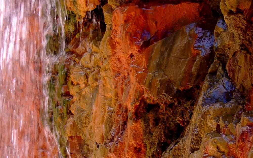 Cascada Colorada (Detail)
