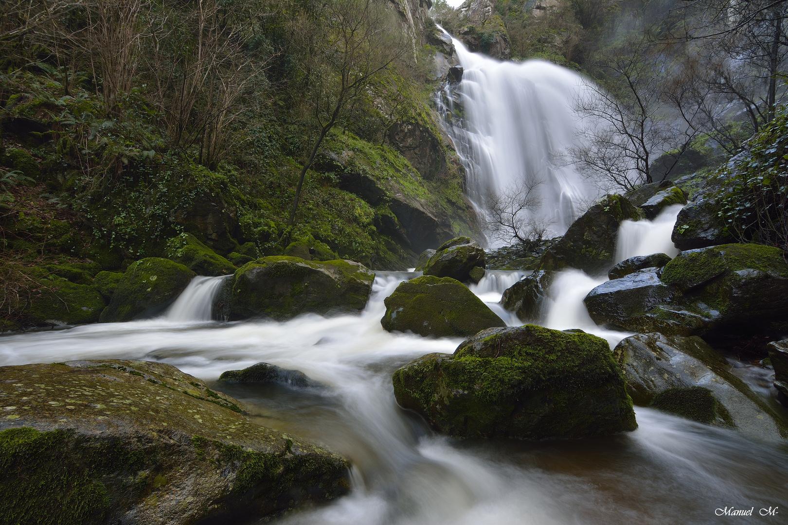 Cascada de la toja (Galicia)