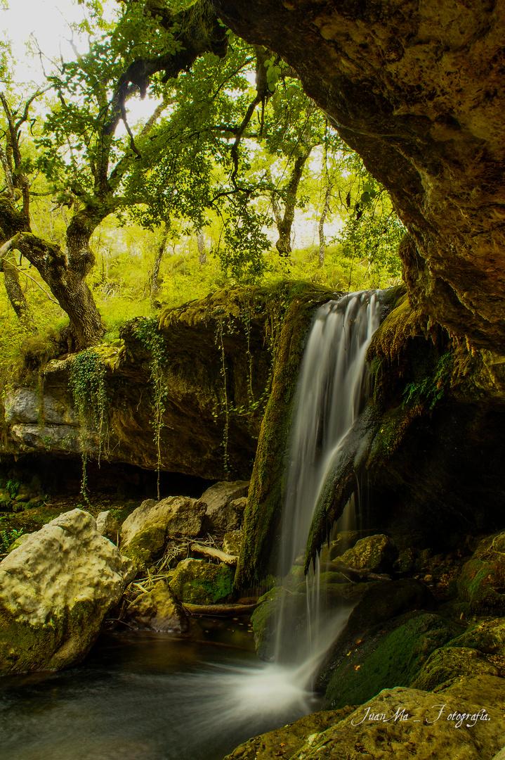 Cascada de Rodavieja: ( Sáseta / Álava ).
