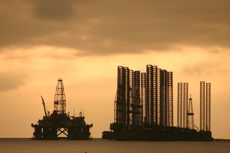 Caspian sea - Shikhov oilplatform
