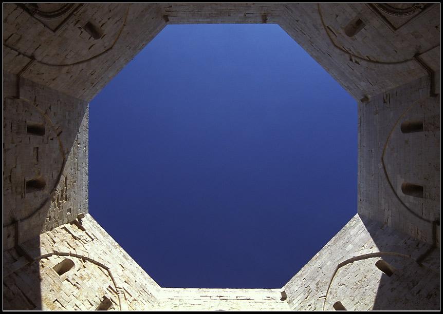 Castel del Monte, Apulien