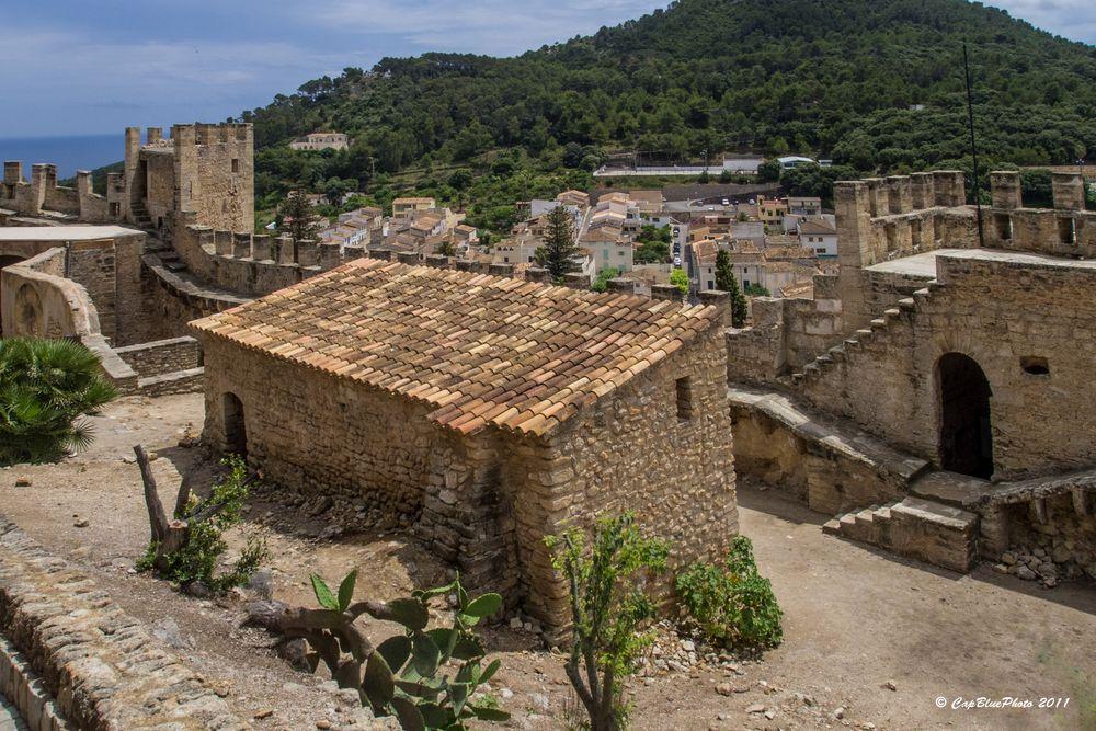 Castell de CapdePera Innenbereich