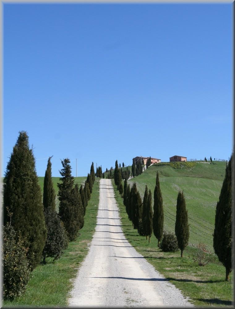* Castello di Leonina *