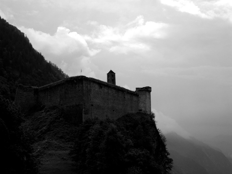 Castello di Mesocco Schwarz/Weiß