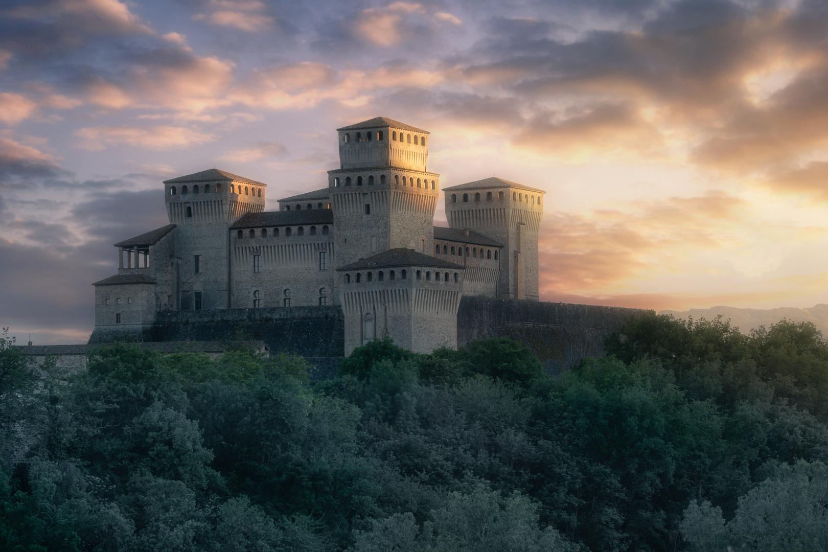 Castello di Torrechiara al Tramonto