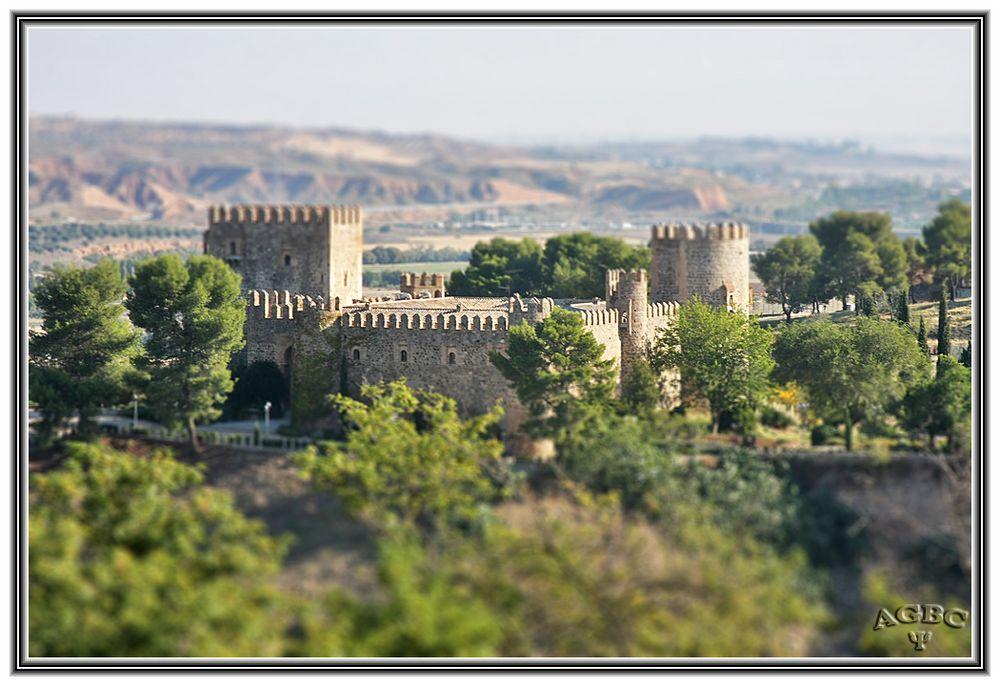 Castillo en Toledo (Falsa Miniatura) GKM5-II