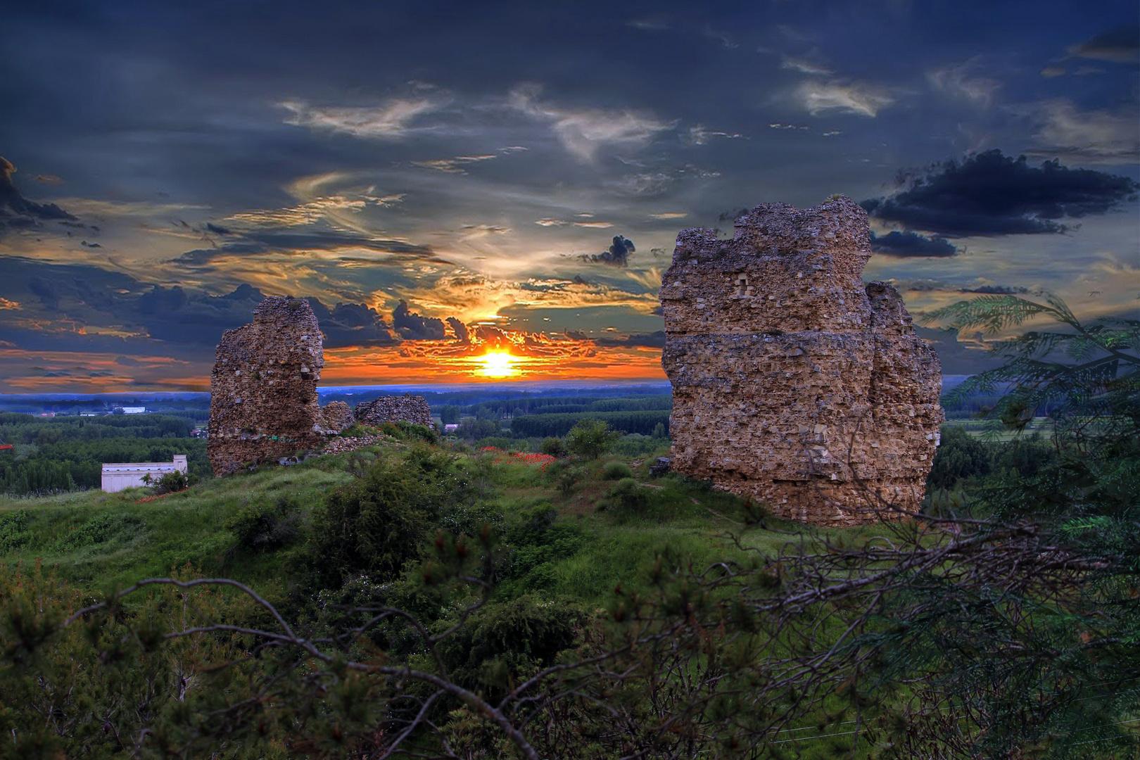 Castillo y cielo