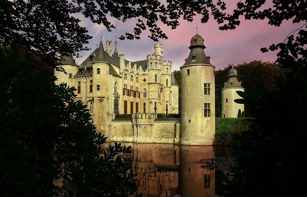 Castle 'de Borrekens' at Vorselaar (Belgium)