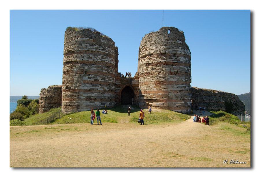 castle (yoros)