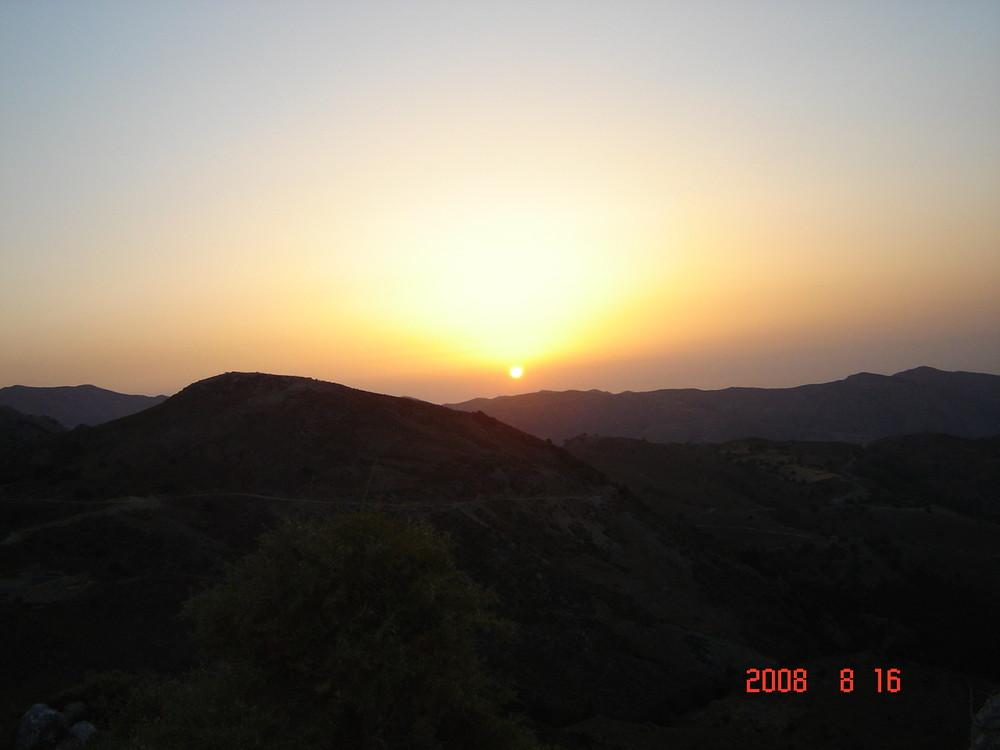 Catch the sun at Omalos mountain, crete